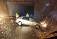 Una trentena de carreteres tallades per pluja, inundació i despreniments a Alacant i València