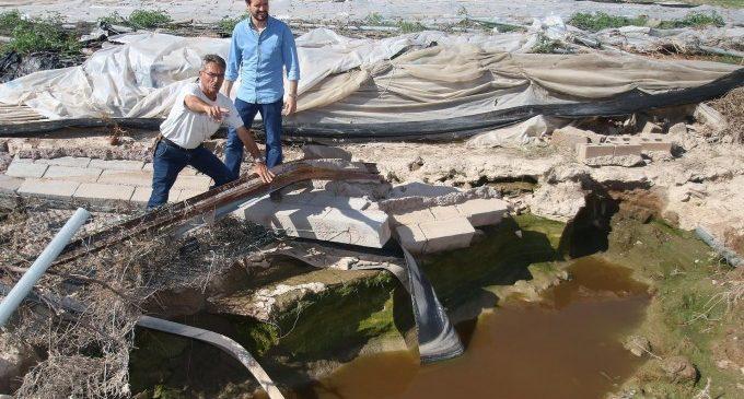 """Casado diu sobre les inundacions que no s'ajuda """"sobrevolant"""" sinó """"trepitjant el fang i fem"""""""