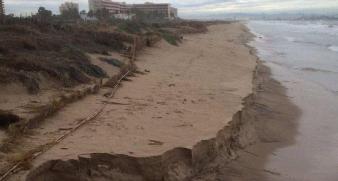 Cada temporal hace retroceder unas playas con planes de regeneración transitorios