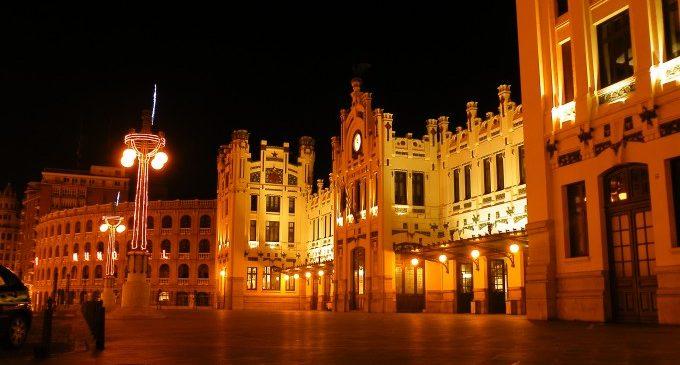 València renova l'enllumenat gràcies a un crèdit europeu, que eixirà 'gratis' per l'estalvi energètic