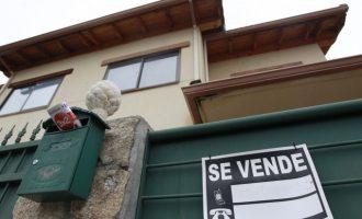 La compraventa de viviendas cayó un 9,9% en la Comunitat en el tercer trimestre de 2019, según los notarios