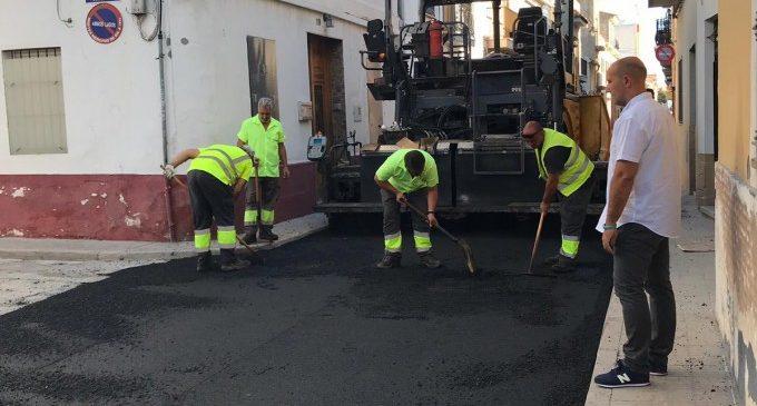 Massamagrell asfalta les vies del municipi que estan en mal estat