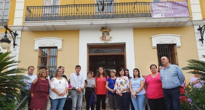 Burjassot llig el Manifest de l'Emergència Feminista i il·luminarà la façana del seu Ajuntament de morat