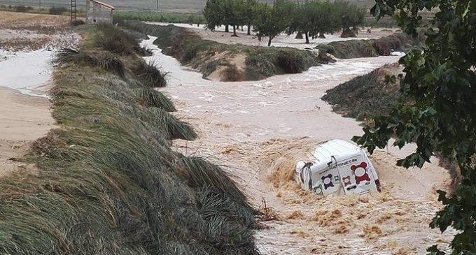 Las lluvias afectan a 38 carreteras de la Comunitat Valenciana y cortan todos los accesos a Orihuela