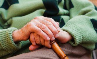 Obert el termini per al reconeixement professional de cuidadors d'un familiar dependent