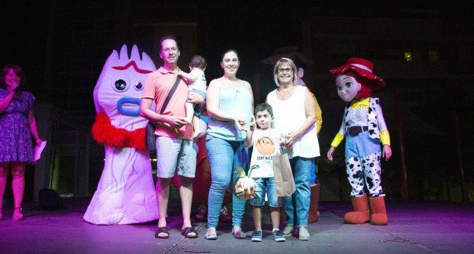 El concurs de Farolets de Picassent brilla amb llum pròpia