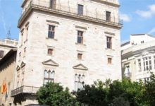 Puig assegura que la Generalitat continuarà recolzant les beques de formació