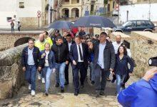 Puig anuncia que la Generalitat ajudarà al fet que els veïns desallotjats d'Ontinyent tornen a casa quan acabe la DANA