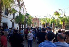 Un centenar de asistentes conocen el barrio en la ruta guiada por Patraix