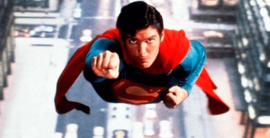Més de 15 figures de superherois a grandària real envairan la plaça exterior de Nuevo Centro