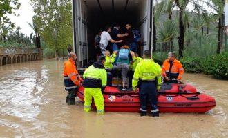 El riu Segura es desborda a Oriola i l'Ajuntament demana evacuar les zones pròximes
