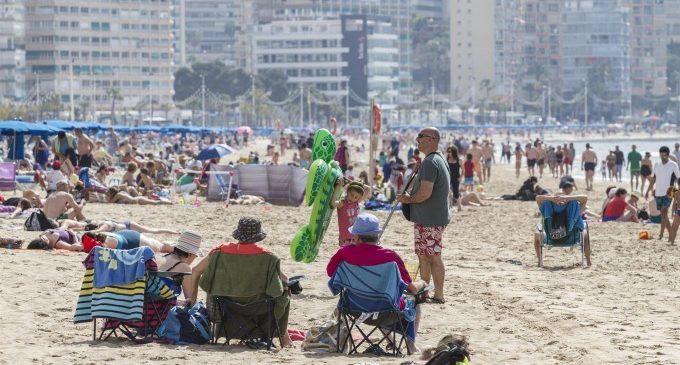 Colomer descarta que la fallida de Thomas Cook afecte la Comunitat Valenciana i avalua l'efecte en la Costa Blanca