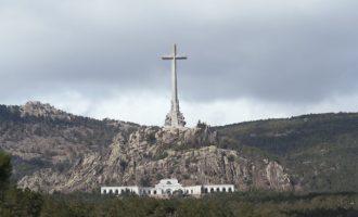 Una familia valenciana pide exhumar su familiar enterrado en el Valle de los Caídos
