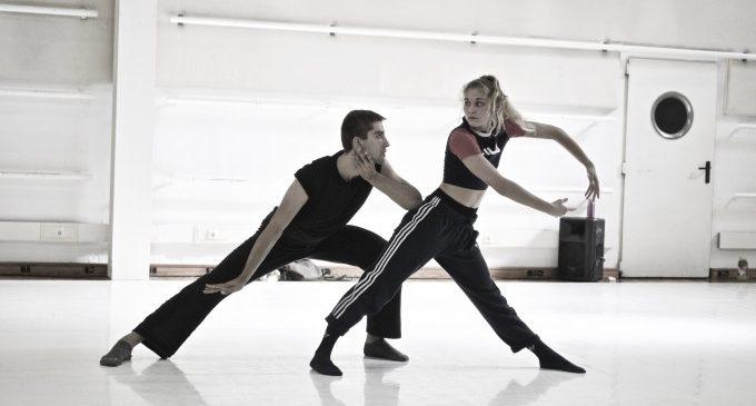 El estreno del nuevo espectáculo de Valencia Dancing Forward y la fiesta de aniversario de Radio Malva inauguran la temporada del TEM