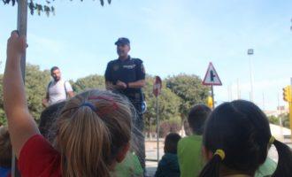 La policia Local d'Alaquàs imparteix un curs sobre normes bàsiques de circulació per als més menuts