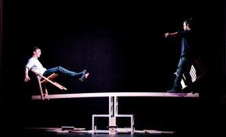 Acrobàcies i malabars en la prèvia del Festival de Circ i Teatre d'Ontinyent