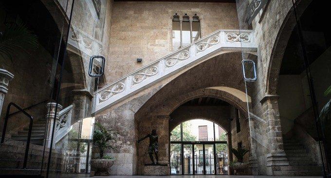 Palaus oberts, la mort de Jaume I segons Pinazo i jocs infantils en el 9 d'Octubre de la Diputació