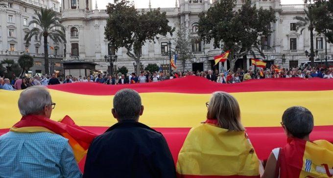 Concentració d'Espanya 2000 en la Plaça de l'Ajuntament de València per la sentència