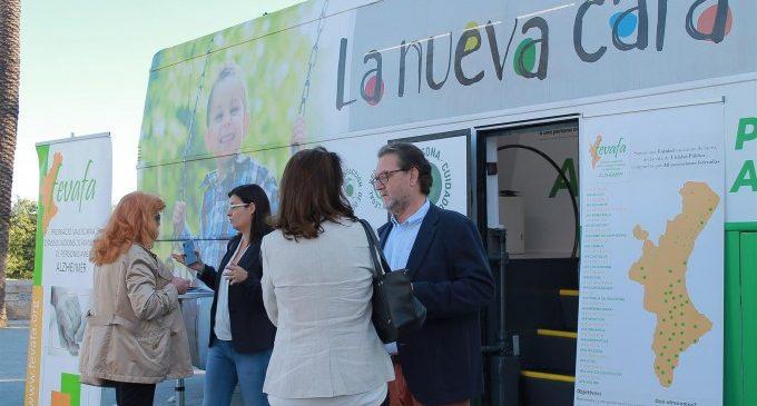 """Un autobús recorre els carrers de València per a """"sensibilitzar"""" sobre Alzheimer"""