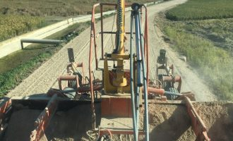 Catarroja adequa els camins per a facilitar la recollida de l'arròs