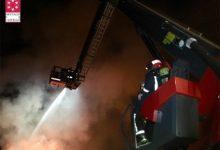 Controlat l'incendi en una empresa de reciclatge de palets a Betxí