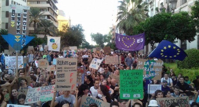 El Consell atén les peticions dels joves valencians i ja treballa en mesures contra el canvi climàtic