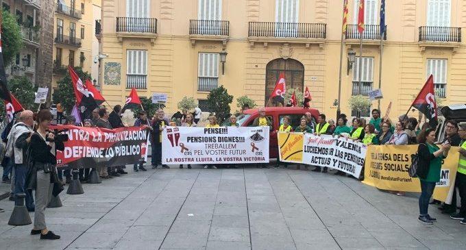 Manifestación en València en defensa de los servicios públicos