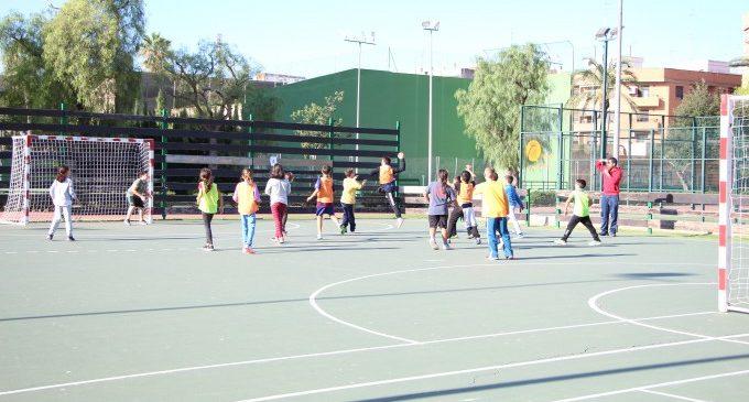 Trobades esportives al Poliesportiu de Picassent basades en l'handbol