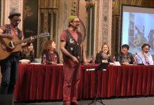 La Diputació lleva las costumbres navideñas valencianas a las escuelas