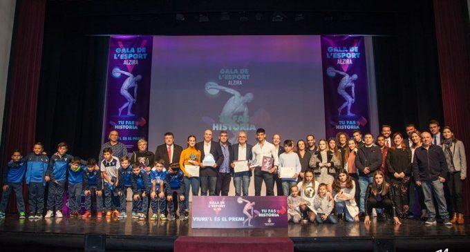 Joan Llinares no acepta la Insignia de Oro de la Ciudad en Alzira