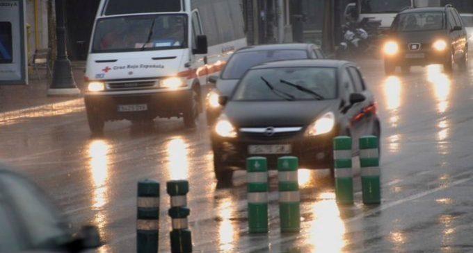 Rescatats 16 veïns de Cullera i Sueca atrapats per les pluges