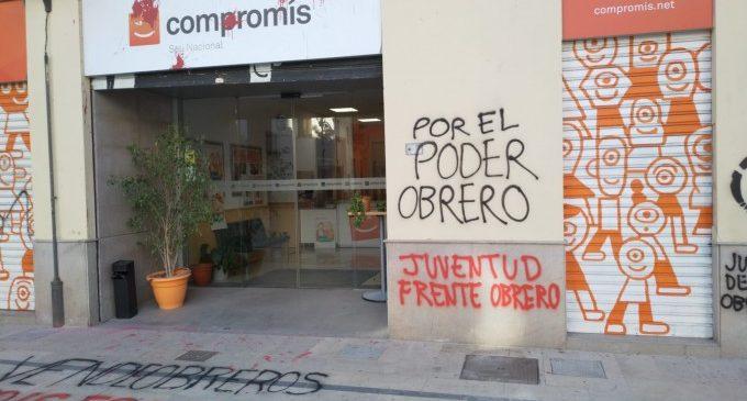 Ataquen amb pintades de 'vendeobreros' la seu de Compromís