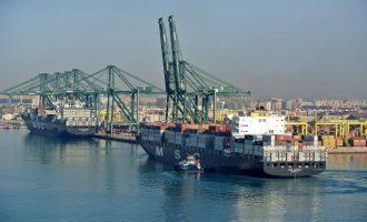 La Generalitat estudia subvenciones para reducir las emisiones de camiones del Puerto
