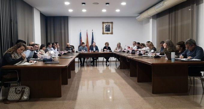 """Xirivella es mostra unànime contra el """"masclisme assassine"""""""