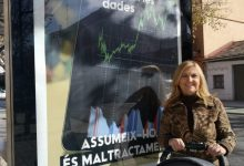 Xirivella transforma marquesinas en fuentes de lucha antimachista