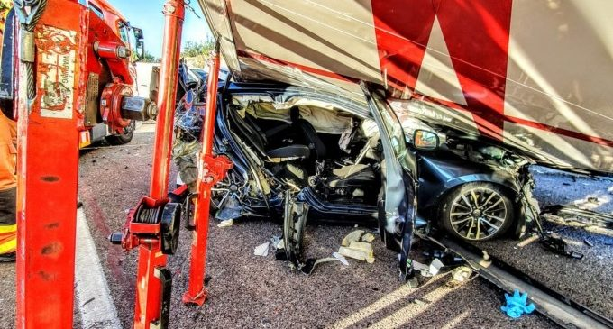 Un accident múltiple en l'A7 a Paterna se salda amb sis ferits