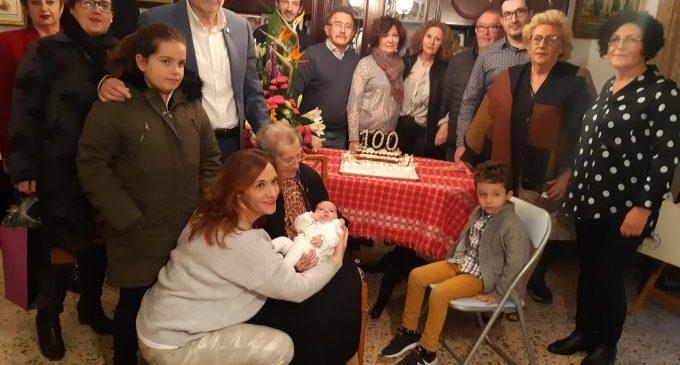 Albal homenatja la centenària Consuelo Domingo