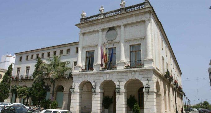 "Conferència 'Un passeig per la ""Història de Gandia""' a la Biblioteca Central"