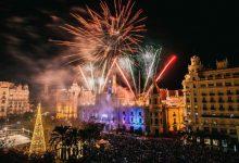 València se ilumina para dar la bienvenida a la Navidad