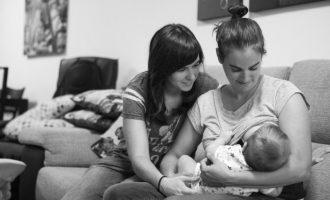 Paiporta inaugura l'exposició 'Lactància materna i apoderament' al Mercat Municipal