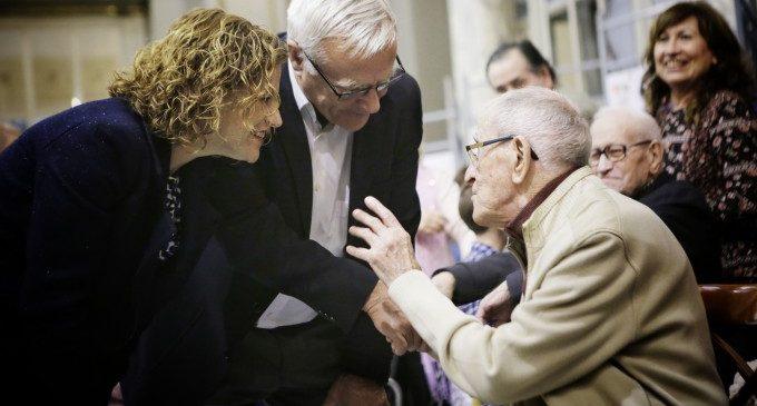 València rinde homenaje a las personas centenarias