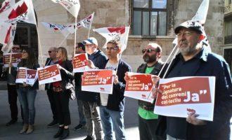 Protestes a València per a exigir la signatura del conveni de les universitats públiques