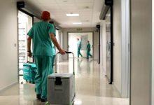Un robot amb llum ultraviolada desinfectarà des d'hospitals a mitjans de transport en 30 segons