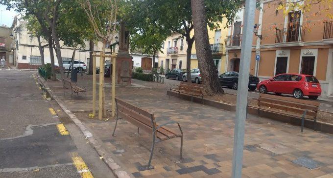 L'ajuntament finalitza la millora de paviment del jardí de la plaça moreral de Borbotó