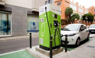 Mislata instal·la els seus primers punts de recàrrega públics per a vehicles elèctrics