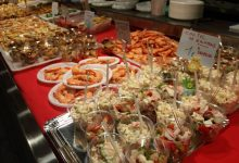 Xirivella rep el Nadal embolicant el mercat en ambient nadalenc
