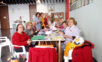 Els majors d'Almussafes preparen les Nadal amb tallers