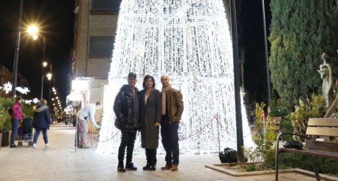 La campanya nadalenca a Quart de Poblet comença amb l'encesa de llums