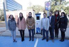 Paterna instala un nuevo punto de recarga de vehículos eléctricos en el Parque Tecnológico