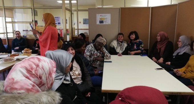Les alumnes d'Alfabetització i Aules d'Español per a Immigrants celebren el seu esmorzar intercultural de cap d'any